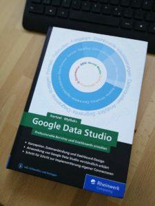 Data Studio Buch von Sascha Kertzel und Sina Mylluks